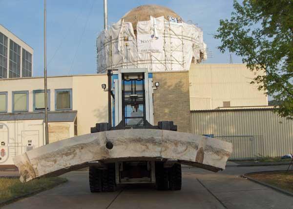 Rückbau der Reaktorkuppel des Kernkraftwerks Kahl am Main